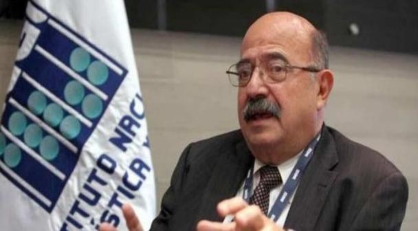 Cervera pagó los platos rotos de una decisión que se tomó en julio de 2015. Los cambios operativos para la medición del ingreso fueron avalados por el anterior director del INEGI