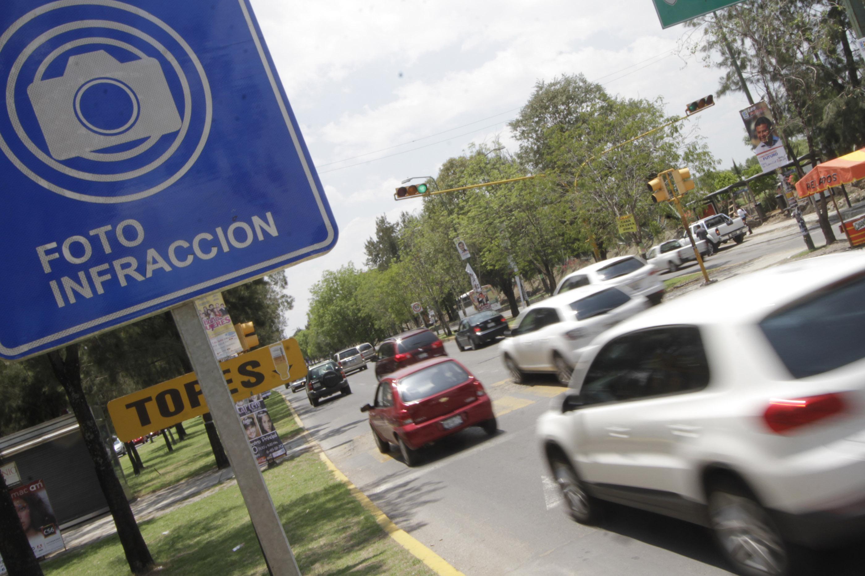 Los habitantes de la Ciudad de México ahora reciben sus multas en su domicilio.