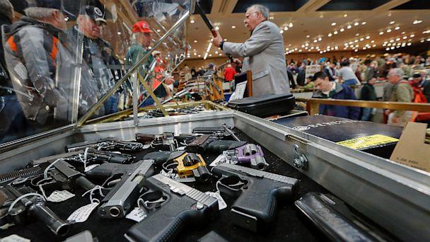Casi 70% de quienes poseen armas en EUA tienen más de una.