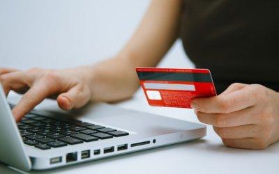 Algunos bancos están limitando las opertaciones en internet para evitar quejas.
