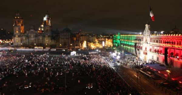 También cada vez va menos gente al Zócalo a dar el tradicional