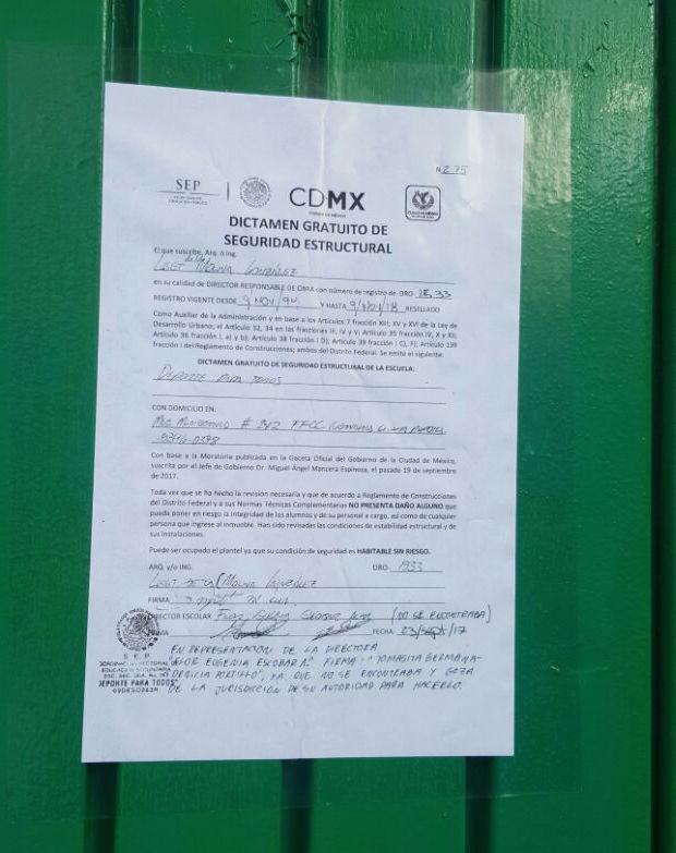 Los planteles deberán tener el certificado de seguridad pegado en la puerta