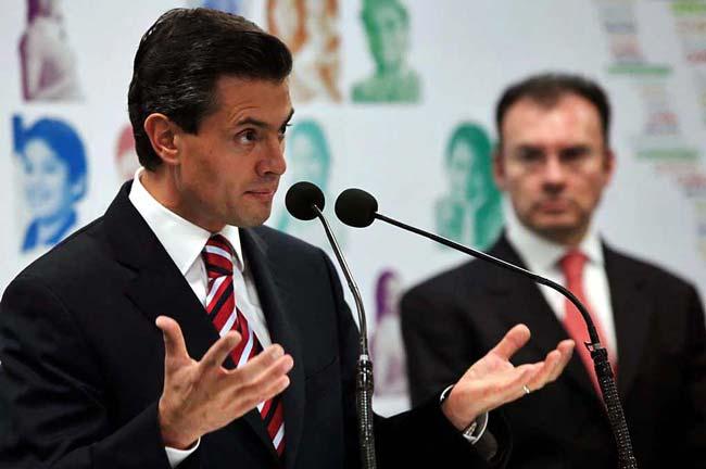 Enrique Peña, presidente de México y Luis Videgaray, exsecretario de Hacienda, decidieron elevar la deuda que hoy consume al presupuesto en intereses.