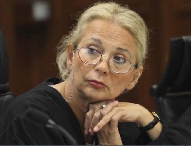 Contra lo establecido en la ley, la exministra Olga Sánchez Cordero es consejera de Banorte desde abril de 2016.