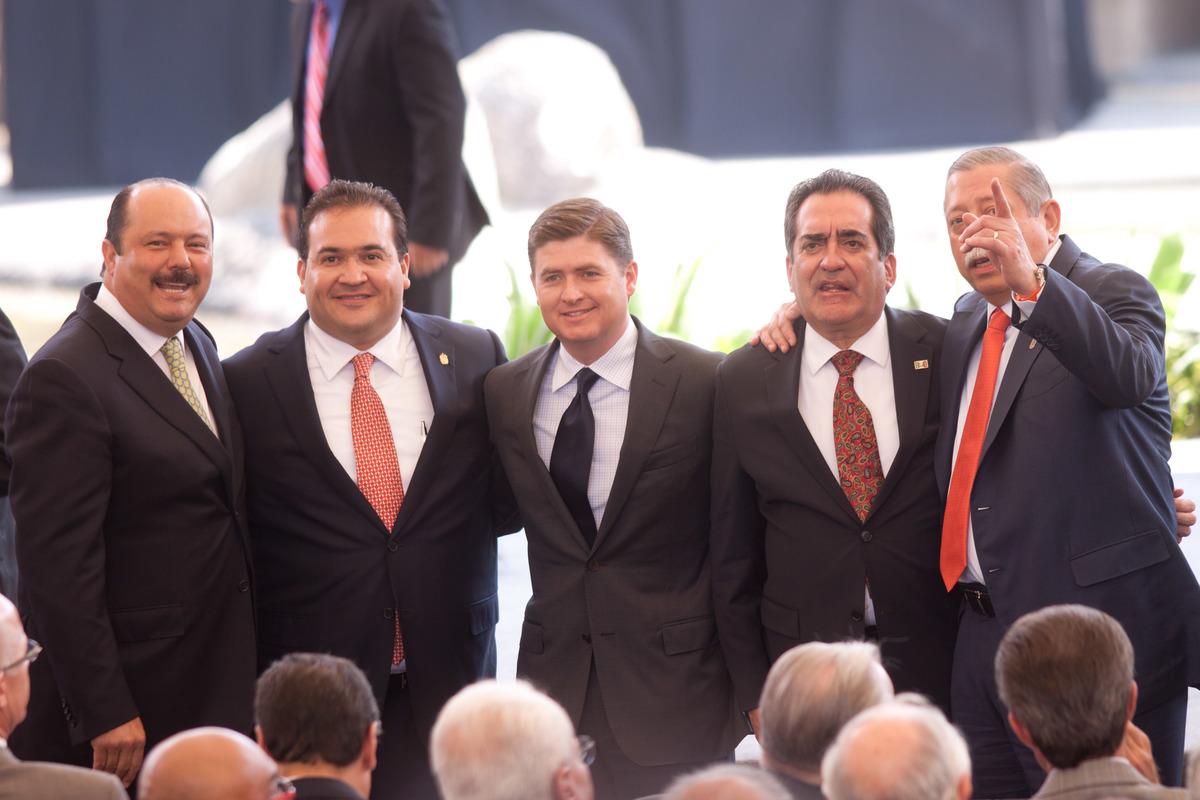 Solo Tlaxcala no tiene deudas, los otros 31 estados del país deben entre mil 330 y 88 mil millones de pesos.