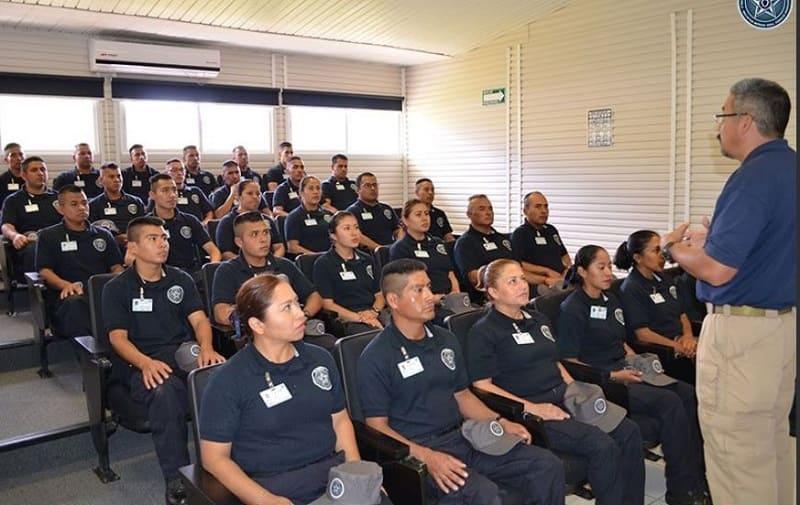 Alumnos de la academia policial de Puebla, una de las seis más completas del país.
