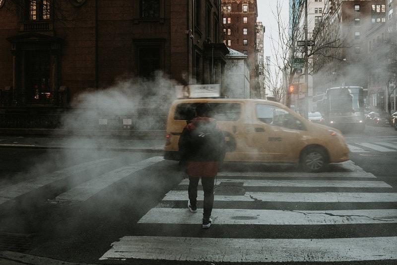 El alcalde de Nueva York se ha rehusado a establecer una tarifa de congestión que desincentive el uso de auto en la ciudad.