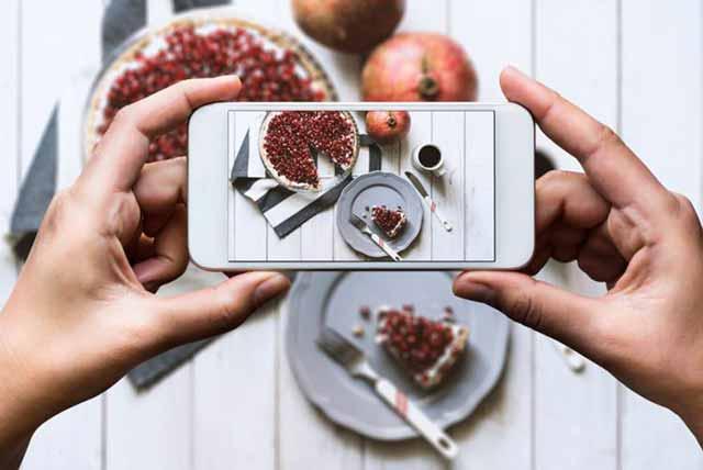 Buscar sugerencias para comer en internet es más común en los consumidores jóvenes
