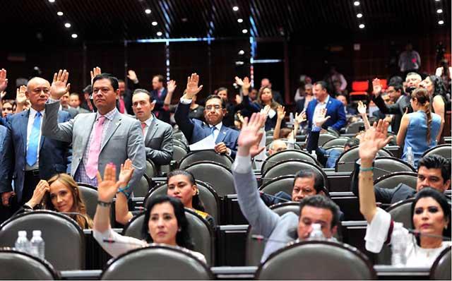 Diputados aprobaron por unanimidad la reforma que elimina el fuero constitucional a todos los funcionarios públicos, incluso el presidente.