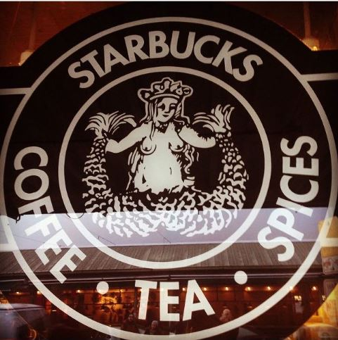 Logo original de Starbucks que aún se encuentra en su primera tienda de Seattle.