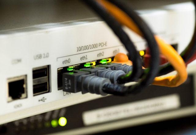 Las nuevas regulaciones reemplazan la iniciativa de neutralidad de la red instaurada durante la administración del ex-presidente Barack Obama