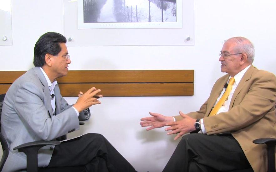 Los empresarios extranjeros están más preocupados por la llegada de López Obrador de lo que la prensa informa, asegura el doctor en economía Oscar Vera Ferrer. Foto: Archivo Arena