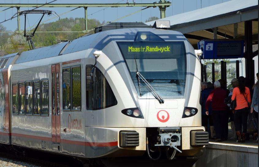 Veolia, la transnacional francesa que opera sistemas de transporte hasta deshechos químicos. Foto: Rob Dammers/Flickr