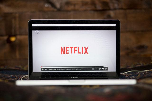 Netflix tarda 11 meses en recuperar de la inversión que hace para atraer nuevos clientes en EU. Foto: Quote Catalog /algunos derechos reservados.