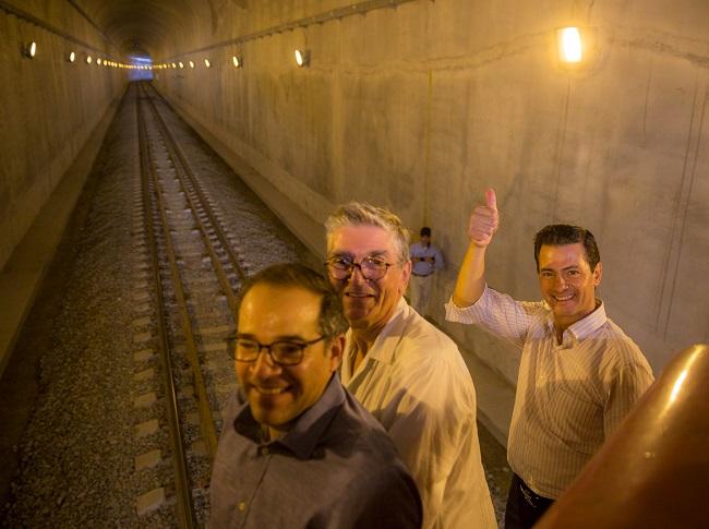 Peña Nieto en la inauguración del Túnel Ferroviario de Colima