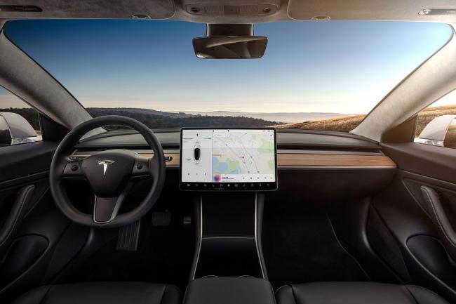 Tesla va por las 6,000 unidades semanales de su Model 3