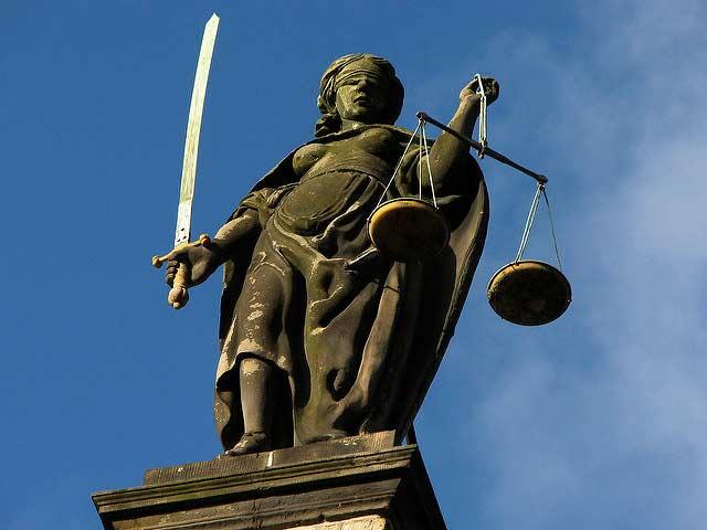 Las autoridades tienen la opción de resolver las denuncias a través de sentencias que no incluyan un encarcelamiento, sin embargo, su utilización es mínima. Foto: Hans Splinter / algunos derechos reservados.