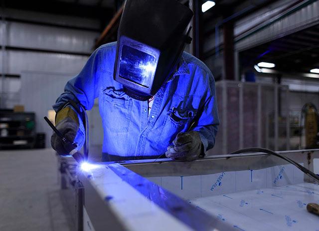 En julio, la actividad manufacturera en México registró una variación mensual de 0%
