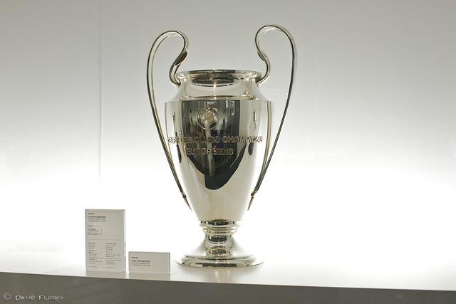 El trofeo de la Champions Leagueno solo añade un título a las vitrinas, también hace ganar mucho dinero (Foto: flickr.com David Flores).