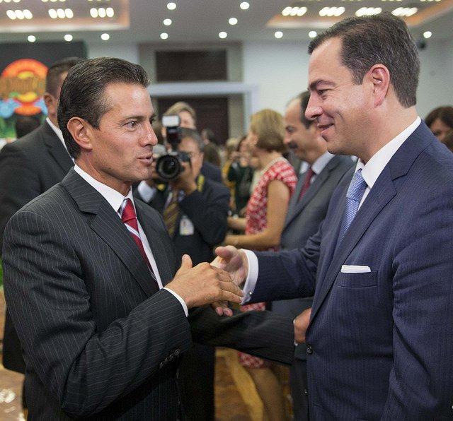 Peña Nieto y Paulo Carreño, director de ProMéxico (Foto: flickr.com)