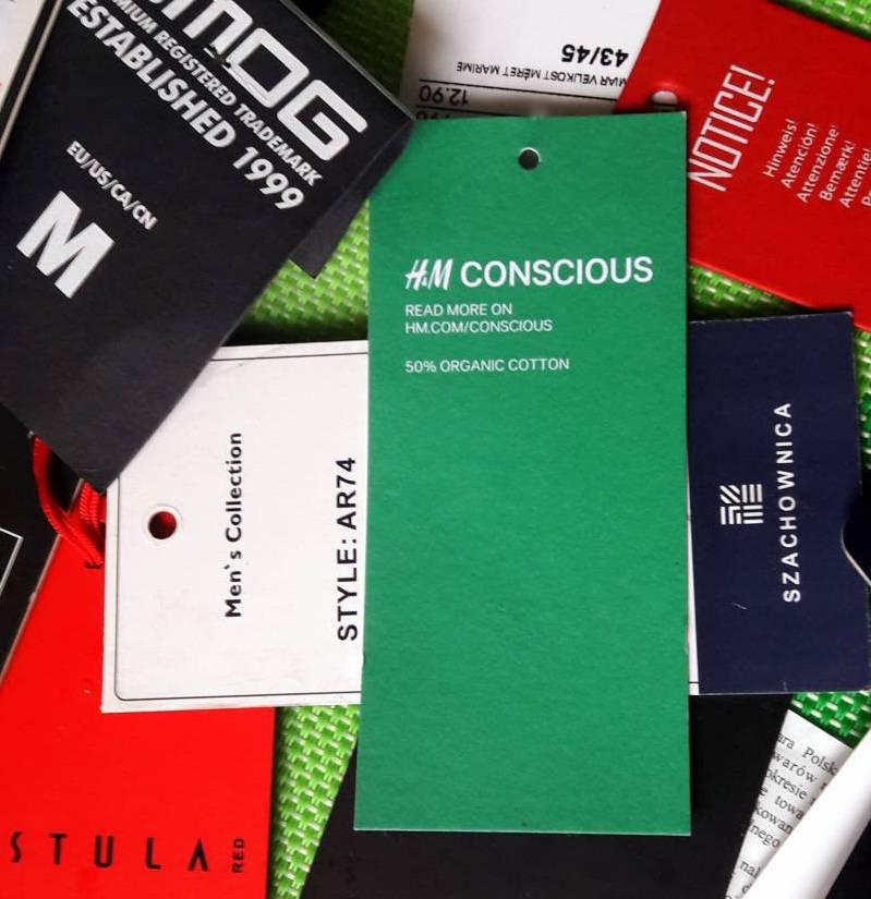La empresa sueca H&M etiqueta toda su ropa que está hecha de materiales reciclados para que los consumidores la identifiquen. (Foto: Wikipedia).