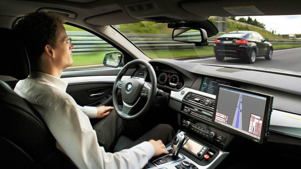 La introducción de los coches autónomos modificará la vida y las ciudades (Foto: Twitter @TNAutos).