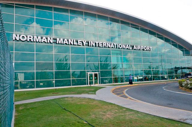 Aeropuerto Internacional Norman Manley, en la ciudad de Kingston, Jamaica.