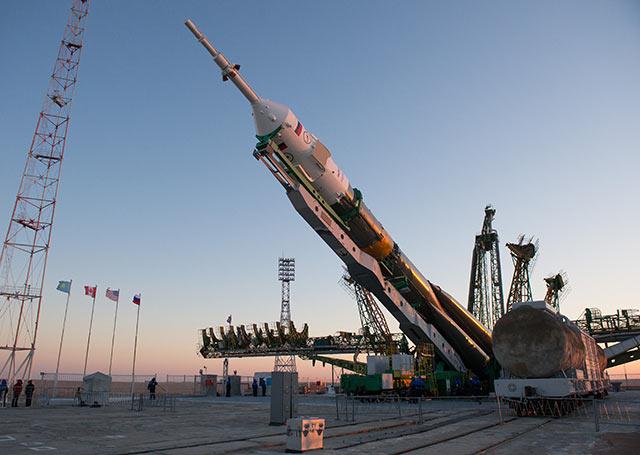 La NASA llegó a pagar hasta 950 millones de dólares por colocar astronautas estadounidenses en los cohetes Soyuz (Foto: NASA/Carla Cioffi)