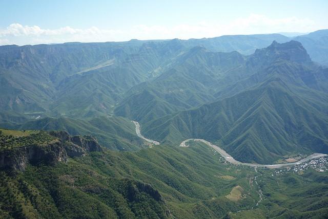 En México hay una gran cantidad de destinos naturales. En la imagen, las Barrancas del Cobre en Chihuahua (Foto: flickr Mihai).