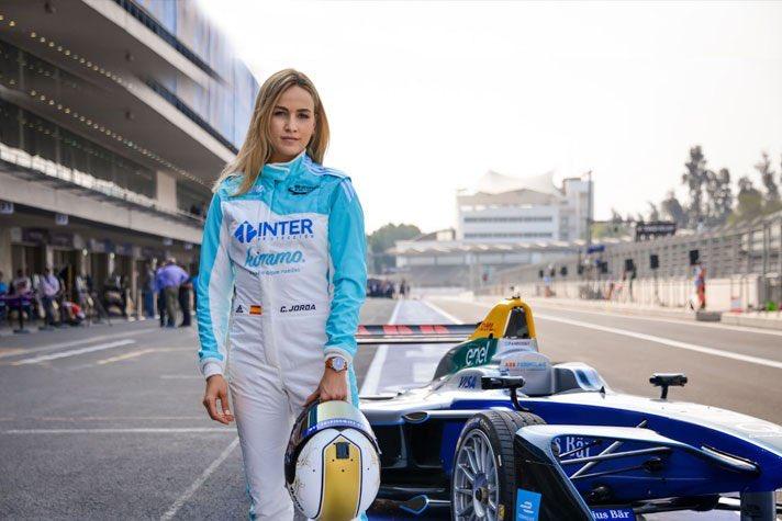 La premisa de W Series es darle oportunidades a ellas para que ganen experiencias en su camino hacia la Fórmula 1 (Foto: Twitter@F1Teamracing)