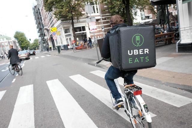La popularid de Uber Eats y aplicaciones similares ha dado pie al fenómeno de los restaurantes virtuales (Foto: Franklin Haijen)