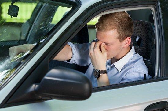 Manejar con más de 20 horas despierto, según expertos, es como conducir bajo una concentración de alcohol en la sangre de 0.08 (Foto: DGTes).