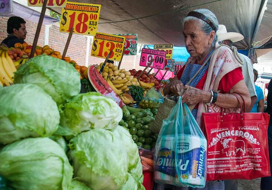 Los pronósticos de inflación y tipo de cambio fueron ajustados al alza por parte de los especialistas en economía para el cierre de 2019 (Foto: Eneas de Troya)