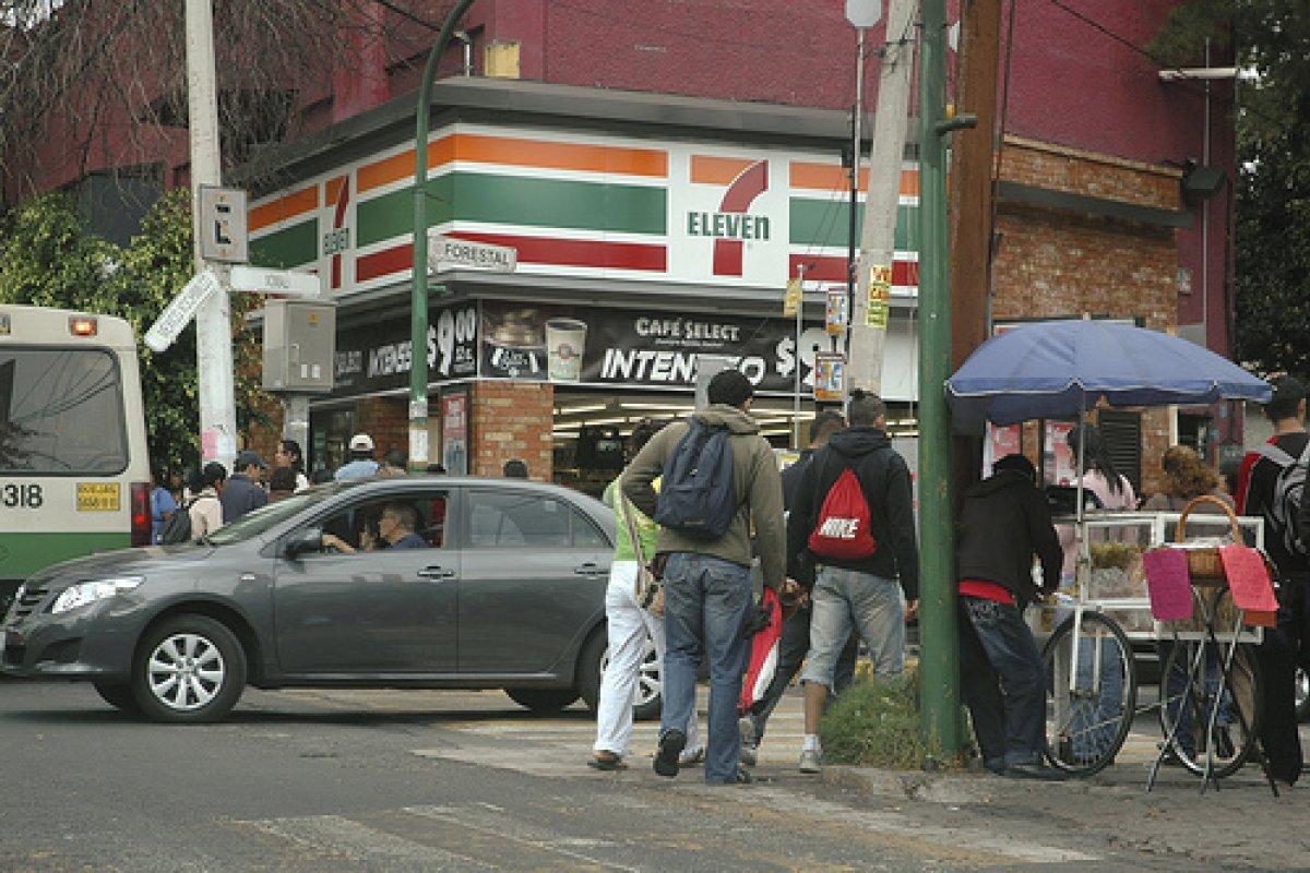 A partir de hoy los trabajadores podrán hacer aportaciones voluntarias desde 50 pesos a sus Afores en 7-Eleven.