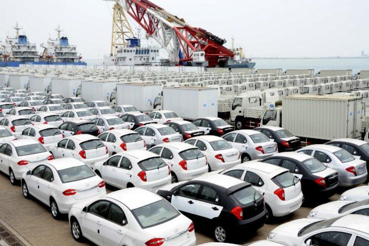 En abril las exportaciones de vehículos totales cayeron 15.6% en comparación anual; mientras que la caída en marzo fue de 14.2%