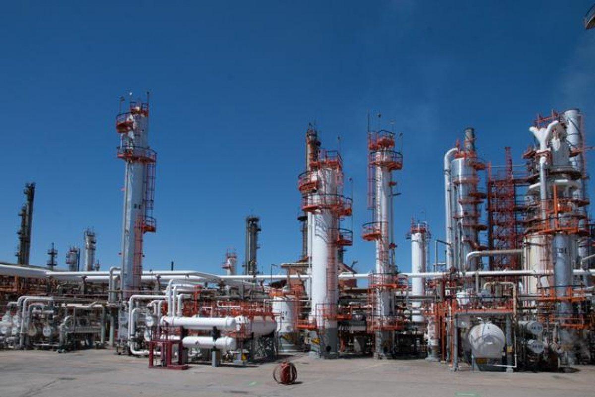 La subutilización de las refinerías cobró una pérdida de 1.318 billones de pesos a PEMEX.