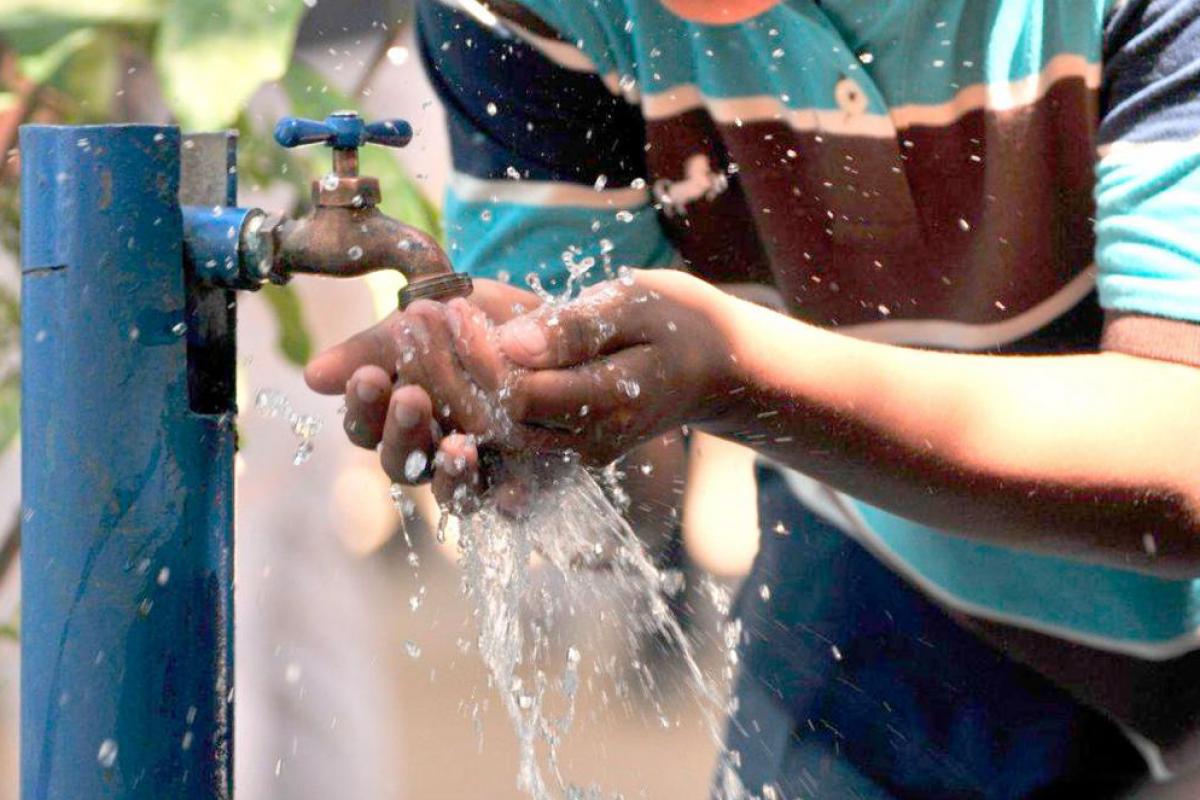 En Sinaloa y Sonora la tarifa es más alta que en la capital de Francia, donde el agua por metro cúbico cuesta 3.6 dólares