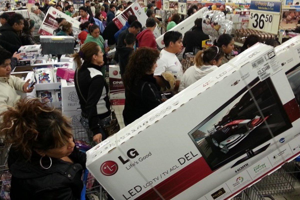 Computadoras y pantallas planas subirán de precio, pues a pesar de que se fabrican en México, tienen un 65% de insumos importados.
