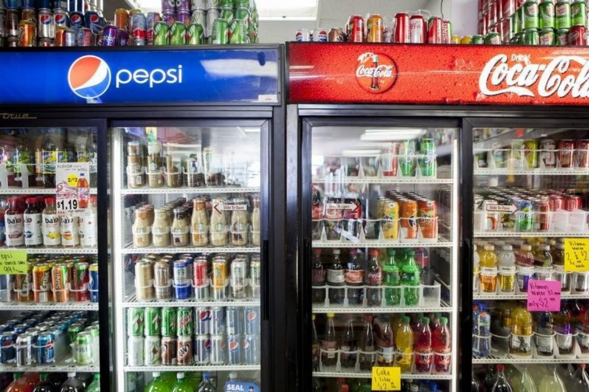 Disfrazados de filantropía, las refresqueras invierten en la realización de 'estudios' que desliguen al refresco de la diabetes.