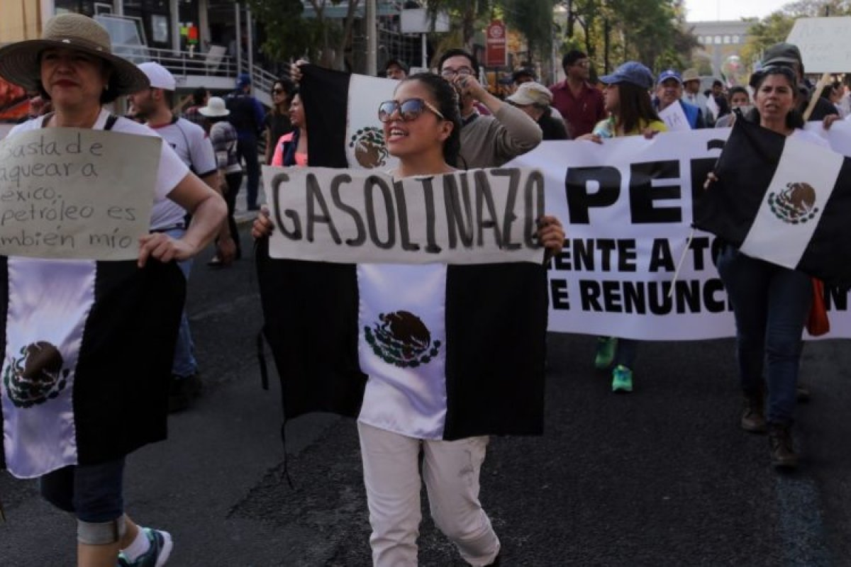 Los mexicanos tendrán que gastar entre 230 y 254 pesos mensuales más para llenar el tanque de su auto.