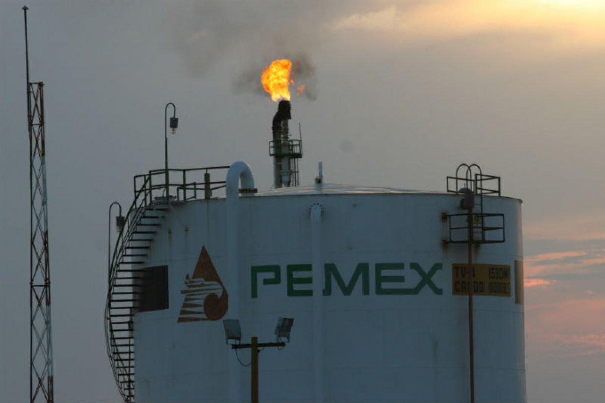 El importante crecimiento de los intereses y comisiones de la deuda provoca que la reforma energética de 2013 comienza a tambalearse.
