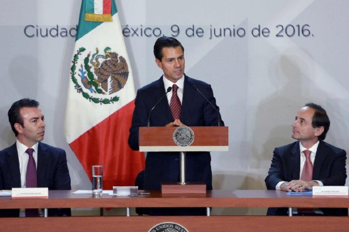 El 52% de los directivos de alto nivel considera que la actuación del gobierno encabezado por Enrique Peña tuvo un impacto negativo en la competitividad de sus compañías en 2016.