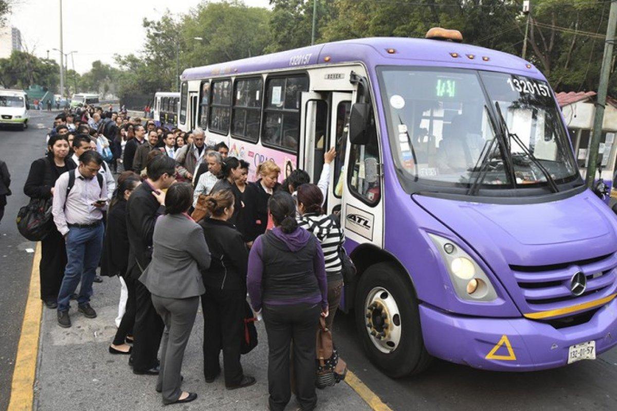 Entre 18% y 25% fue incremento escondido en el peso que aumentó la tarifa del transporte público.