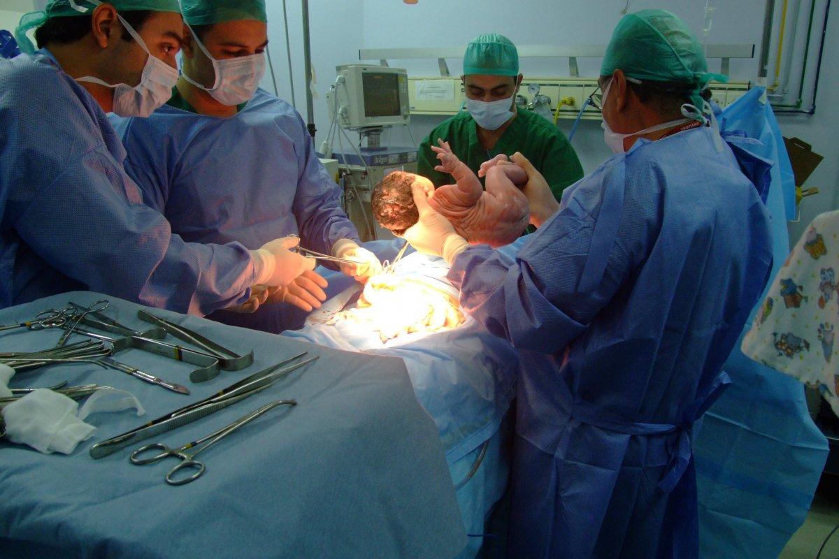 La Organización Mundial de la Salud indica que el promedio de cesáreas debe ser entre 10 y 15%.
