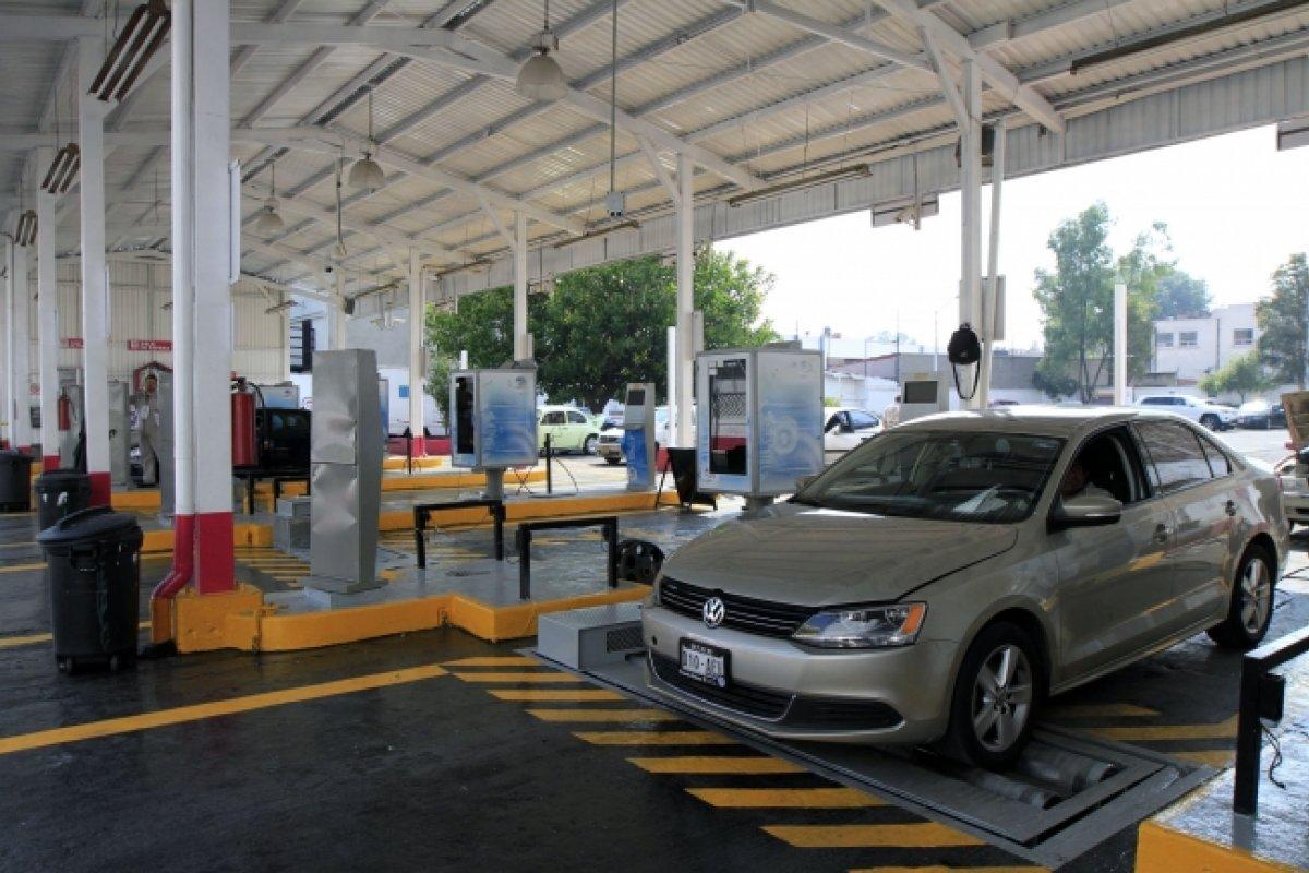 El sistema de verificación vehicular en la Zona Metropolitana y Valle de México está rebasado por prácticas de corrupción inaceptables, advierte el Centro Mario Molina.