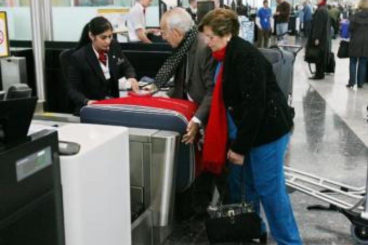 Muchos pasajeros se quejaron por que no sabía del cobro por equipaje.