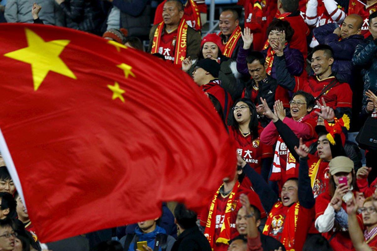 China no quiere perderse una porción de las ganancias que puede dejarle invertir en el futbol.