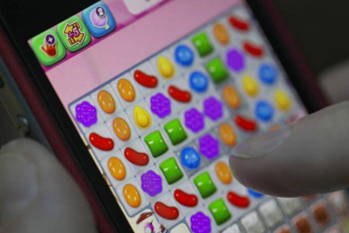 La empresa que desarrolló Candy Crush, King Digital Entertainment, genera 2 millones de dólares al día solo por el juego de Candy Crush Saga.