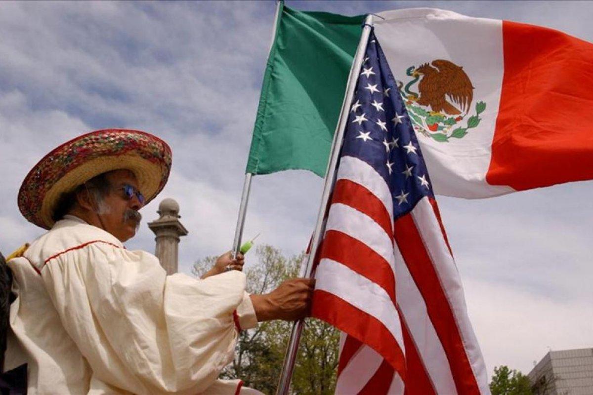 Solo 6% de los migrantes mexicanos en Estados Unidos tiene un nivel escolar de licenciatura.