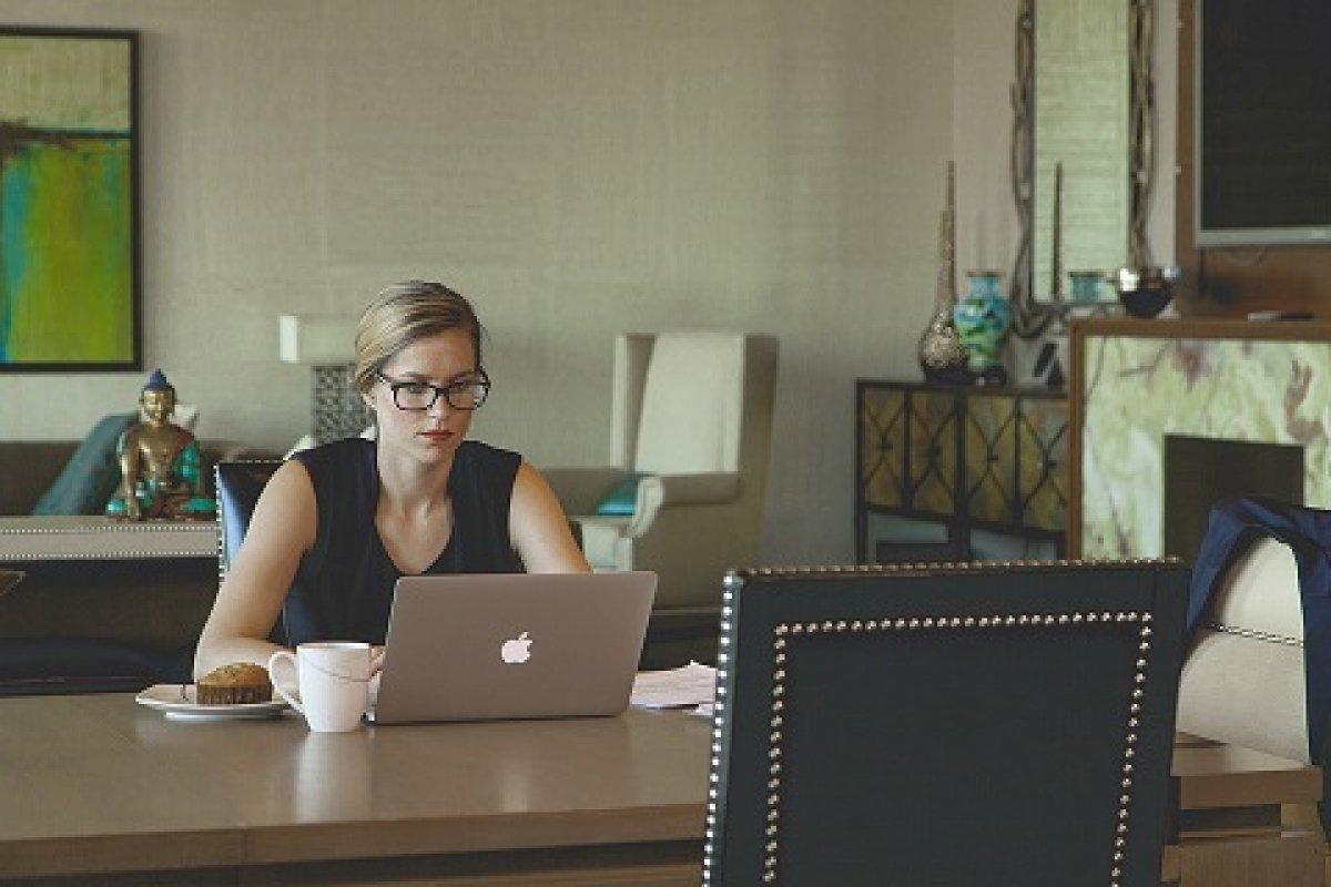 Los motivos por los que las mujeres no reciben una buena paga no son por la inequidad de género, sino por los tipos de trabajo en los que se suelen colocar.